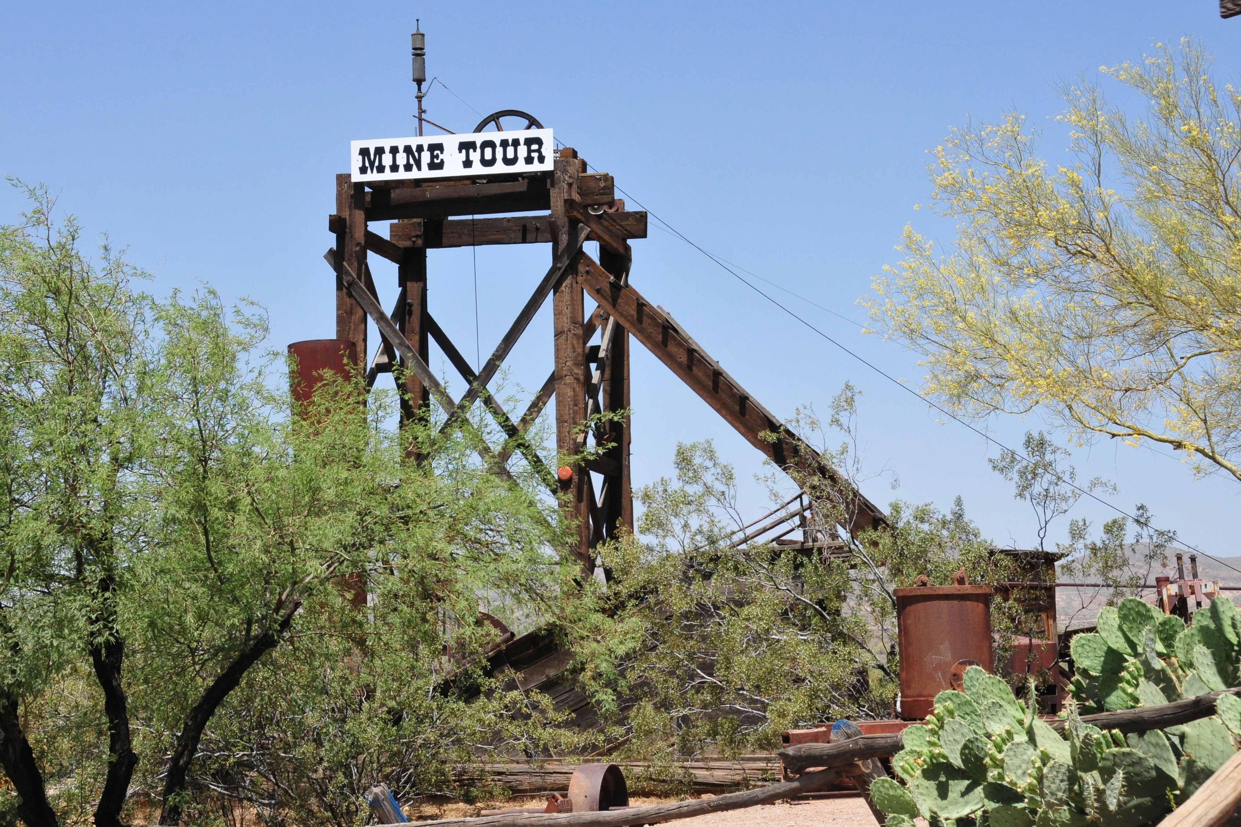 Förderturm der Goldmine in Goldfield