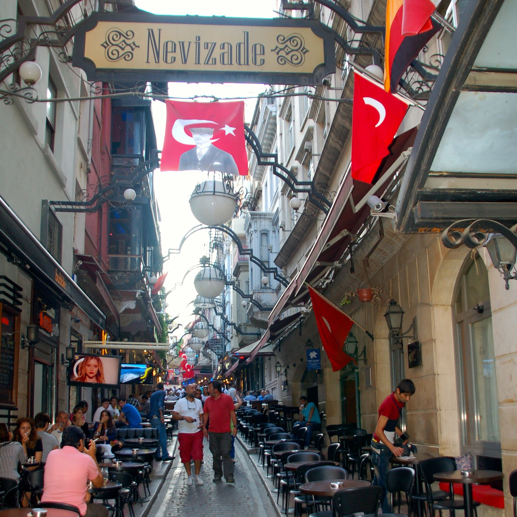 Istanbul_Nevizade3