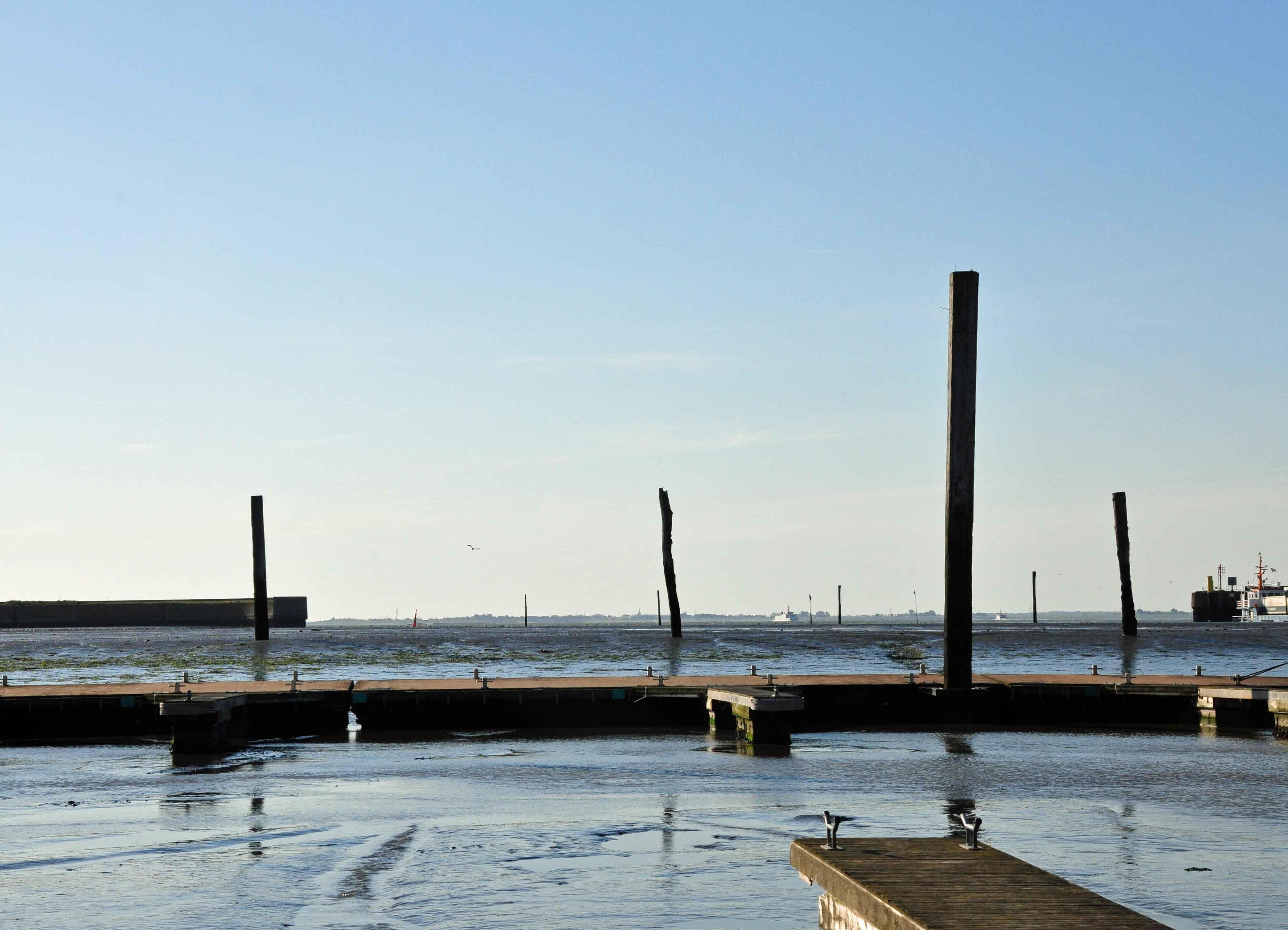 Trockengefallener Hafen auf Langeoog.