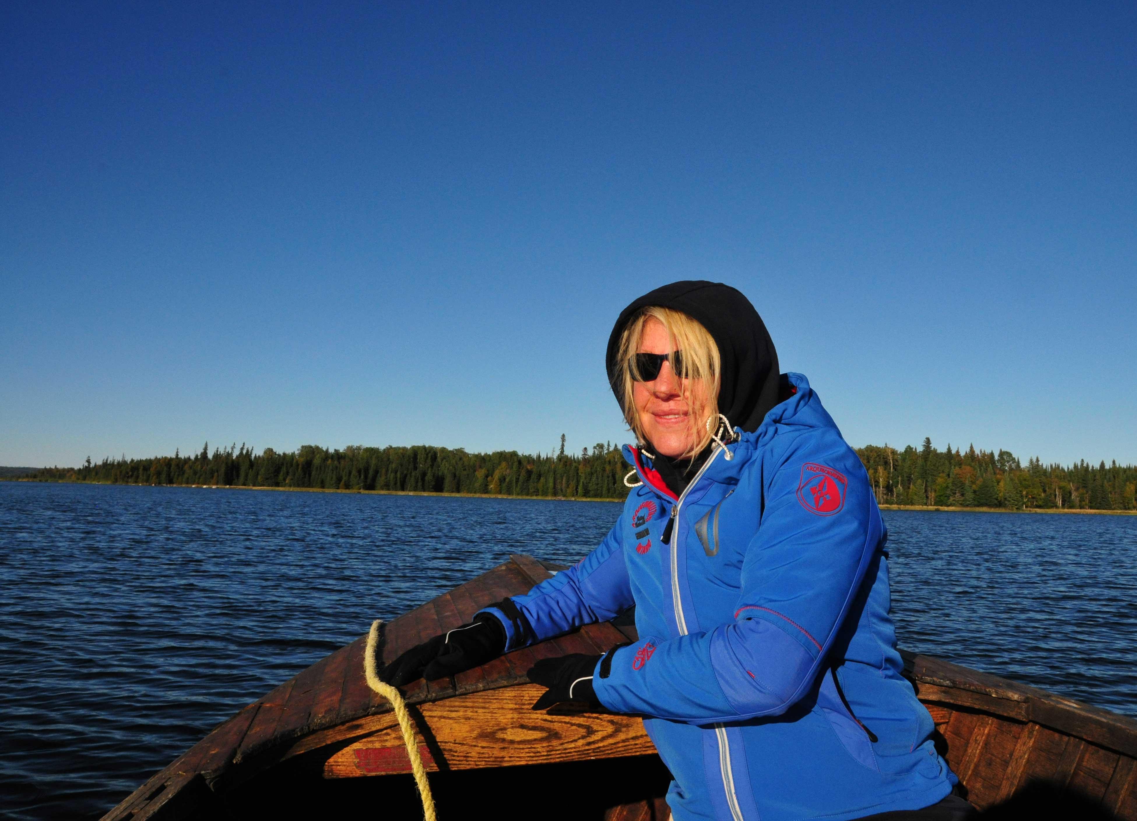 Autorin im Boot