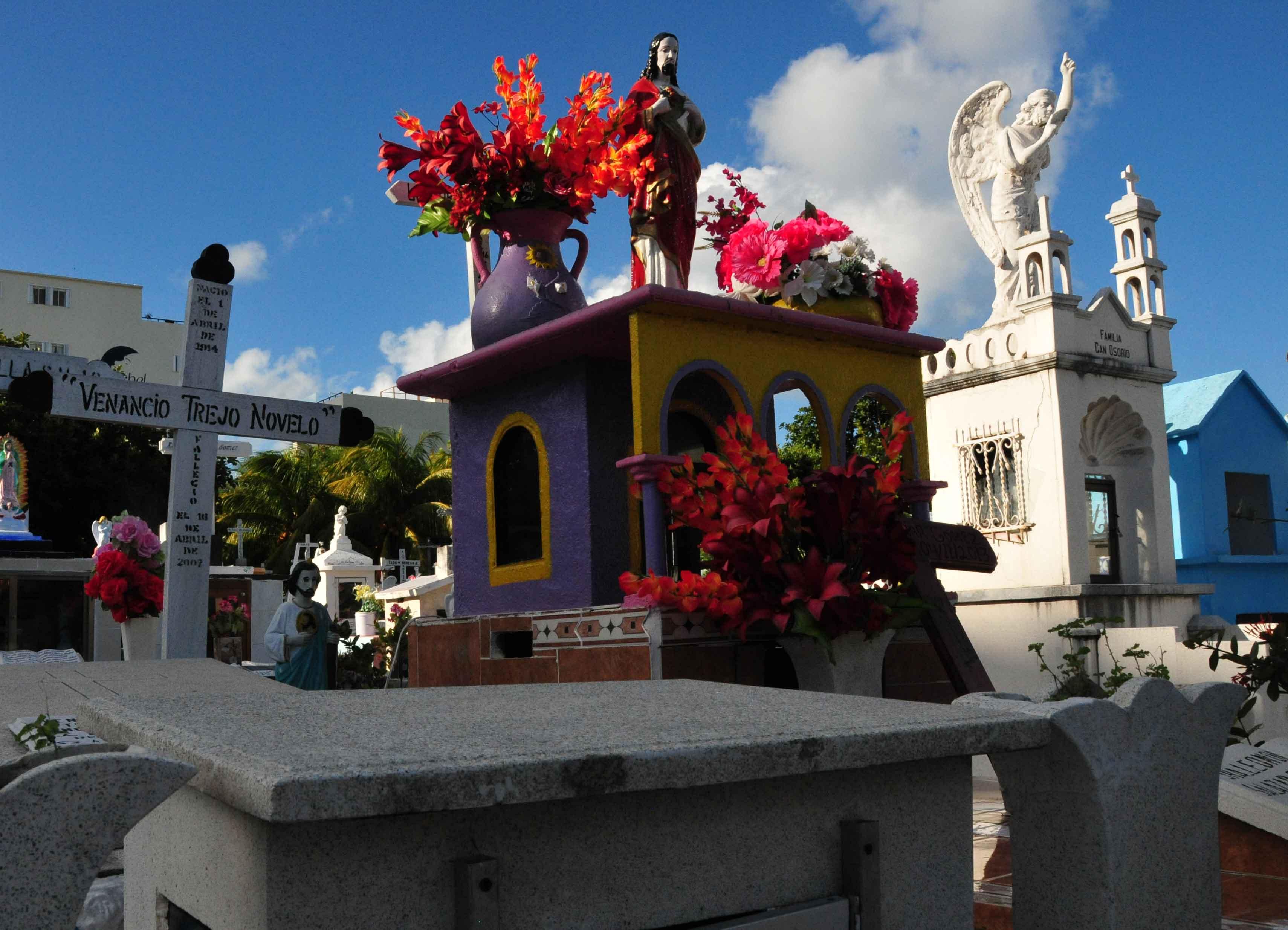 Farbenfroher mexikanischer Friedhof.