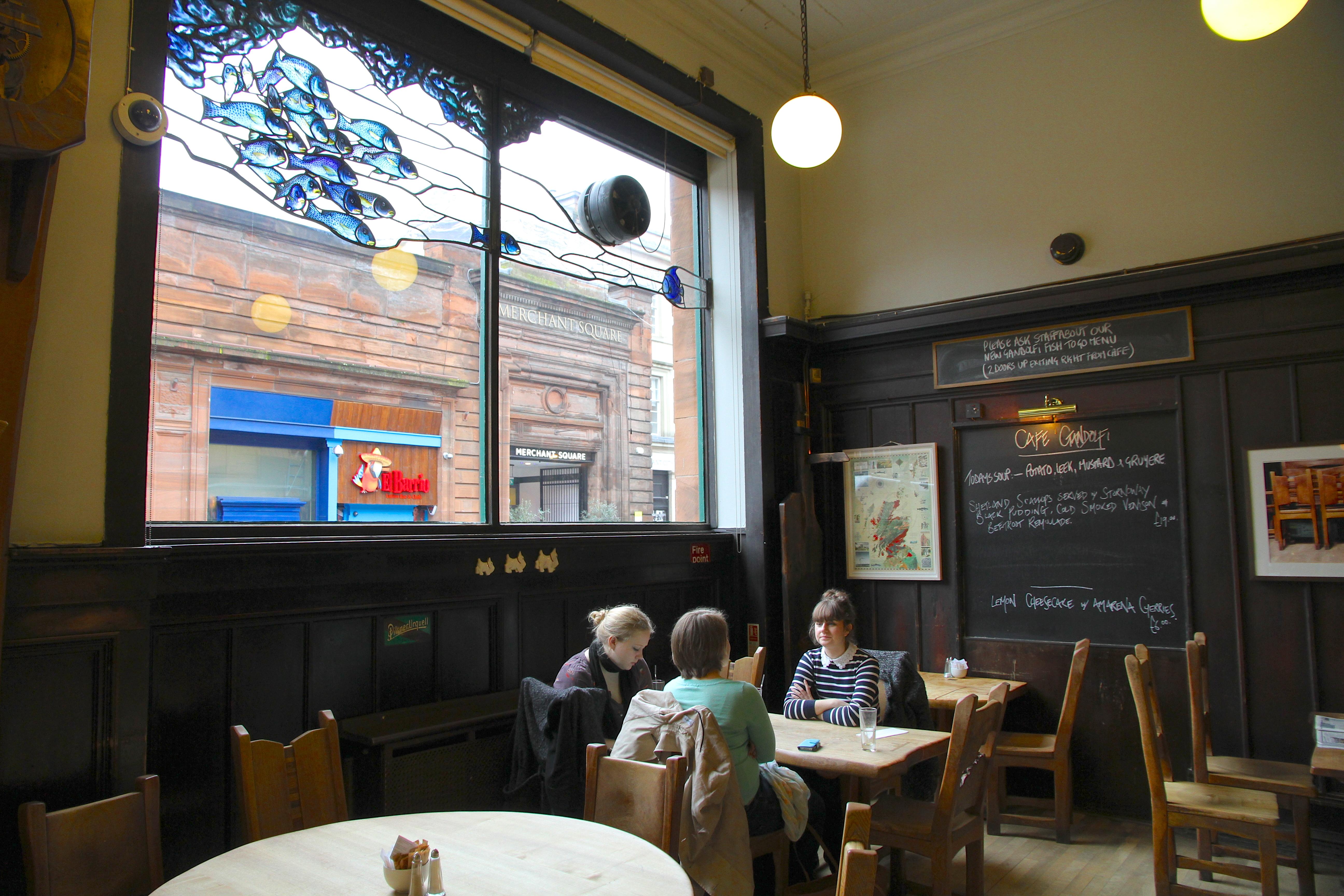 Schottische Gemütlichkeit im Café Gandolfi.