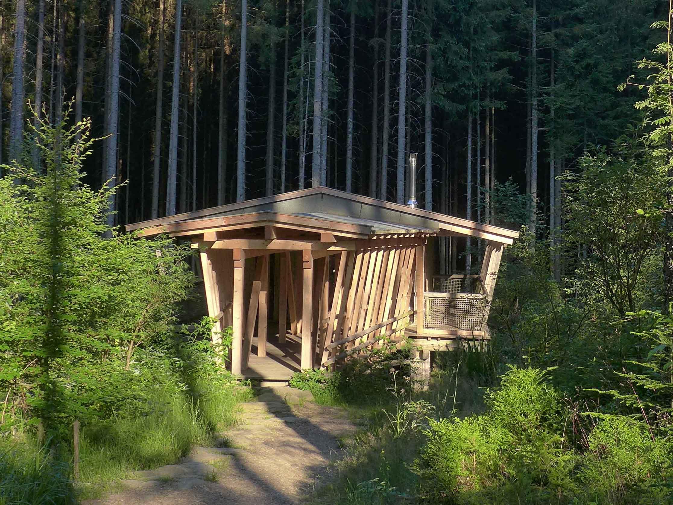 wildniscamp am falkenstein im nationalpark bayerischer. Black Bedroom Furniture Sets. Home Design Ideas