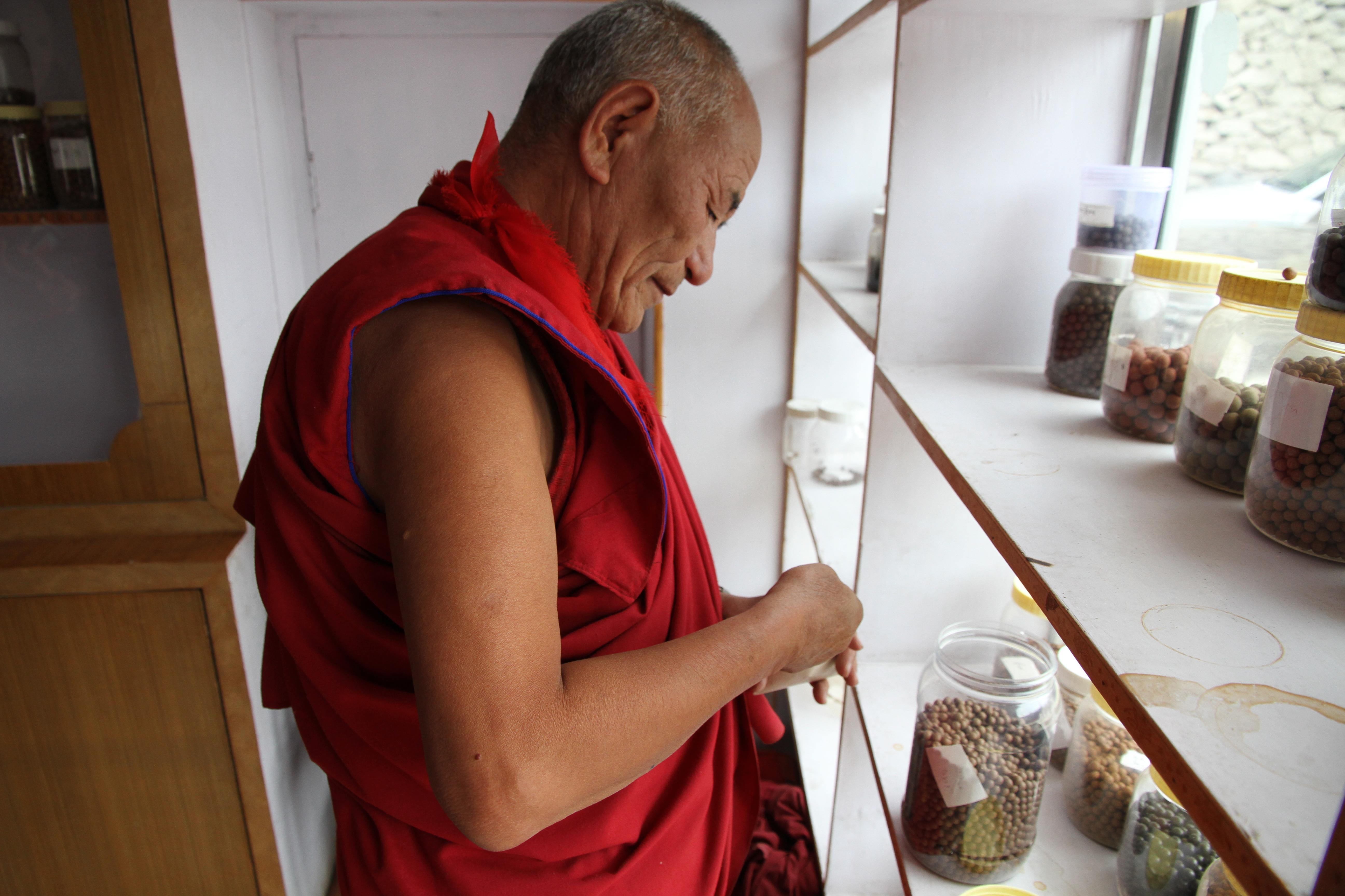 Mönche, Reisen, Reisefeder, Travelblog, Blogger, Indien, Ladakh, Klöster, Nordindien, Himalaya, Mönch