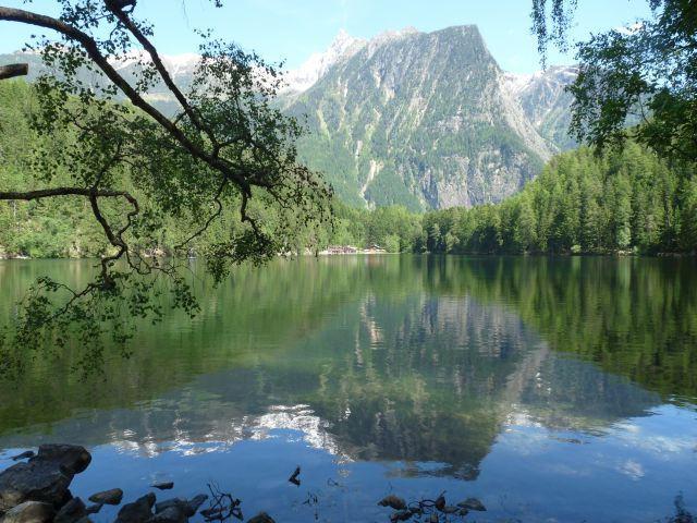 Ein Alpensee mit bis zu 25 Grad Wassertemperatur