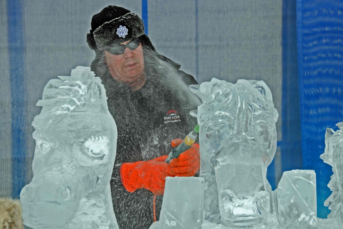 Ice Carver bei den Winterludes in Ottawa