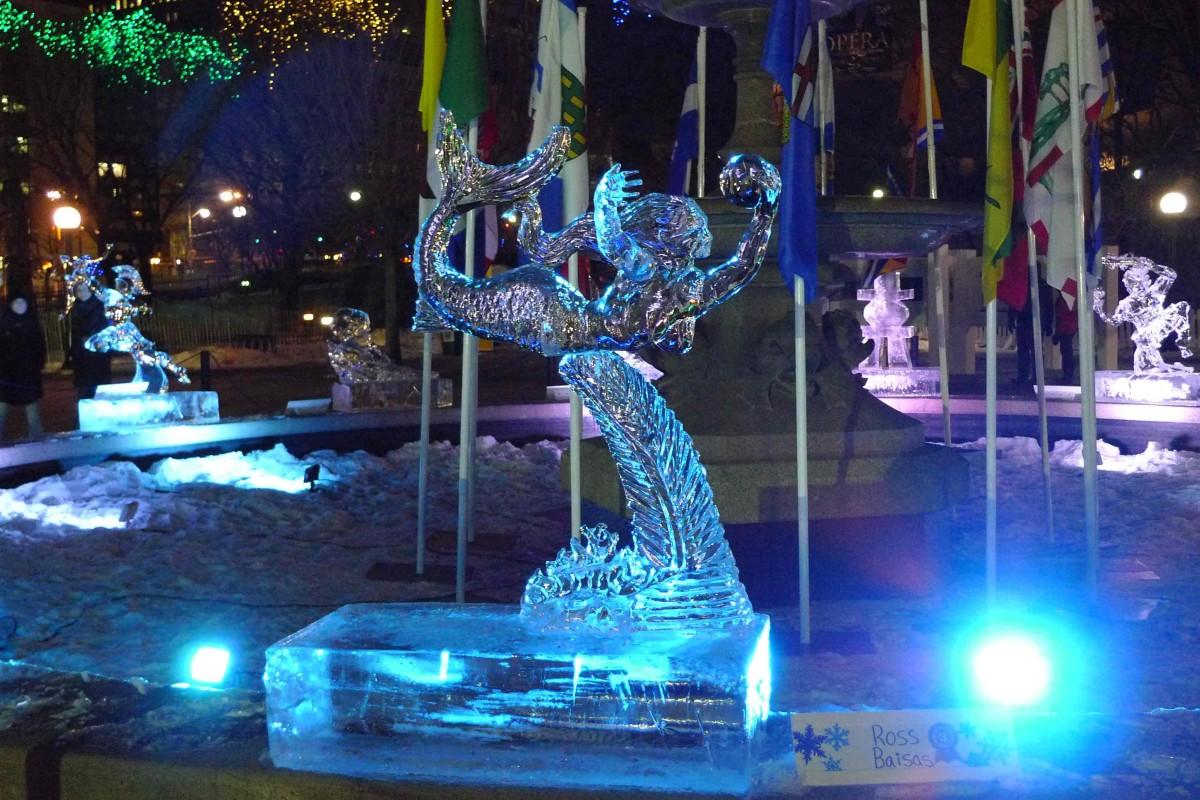 Eisskulptur bei den Winterludes in Ottawa