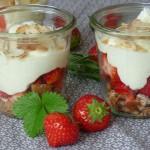 Frühling im Glas: Erdbeer-Trifle (+ Rezept)