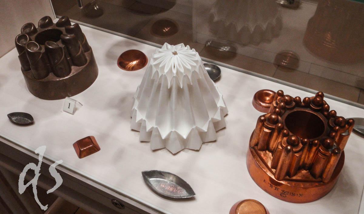Alte Pudding- und Guglhupf-Formen sind in den Schönbrunner Hofmuseen zu begucken