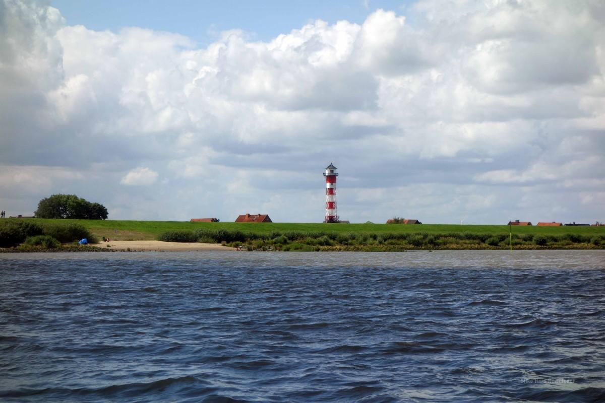 Leuchtturm Somfletherwisch an der Elbe bei Lühe
