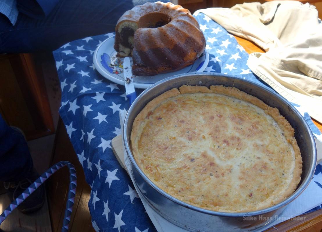 Quiche Lorraine und Marmorkuchen.