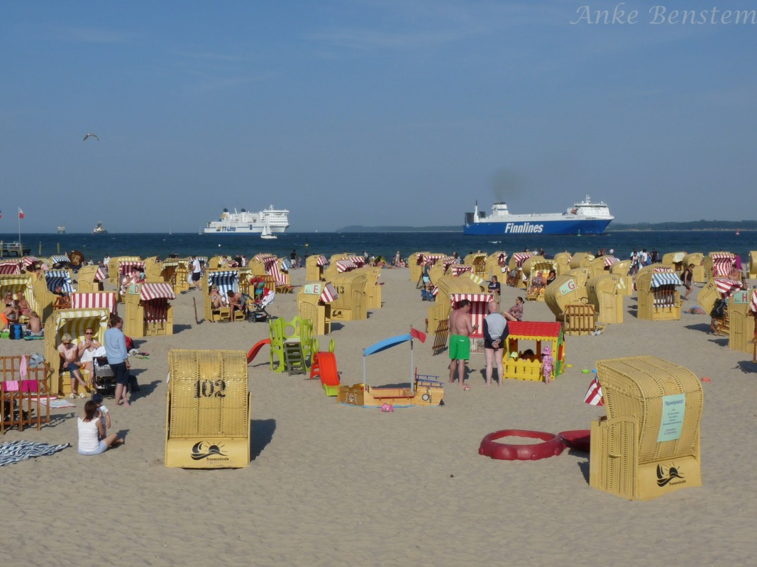 Reisefeder Strand Lübeck