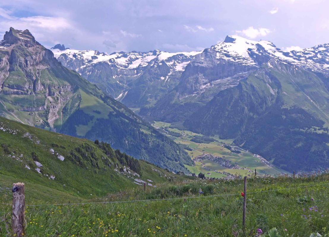 Bergpanorama im Schweizer Engelberg