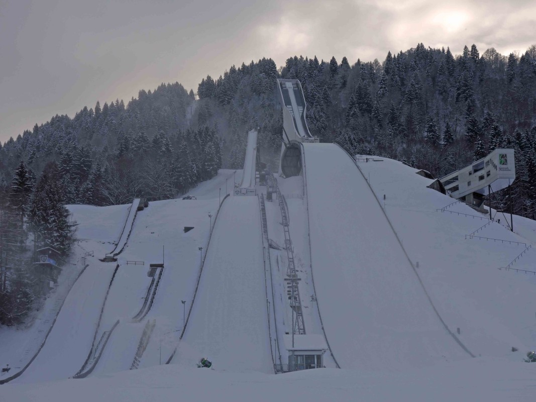 Kleine, mittlere und große Skisprungschanze in garmisch-Partenkirchen