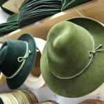 Tegernsee: Der Hutmacher in Flip-Flops