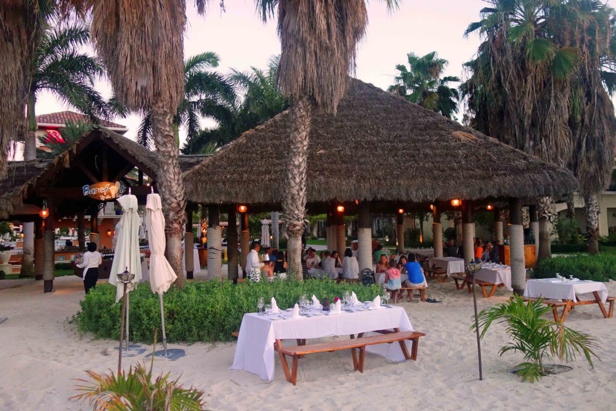 Open Air Restaurant Barefoot im Beaches, Turks & Caicos