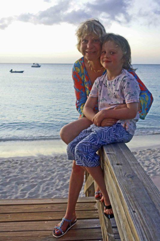 Silke und Frederik das Reisekind nter karibischer Sonne im Beaches auf Turks & Caicos