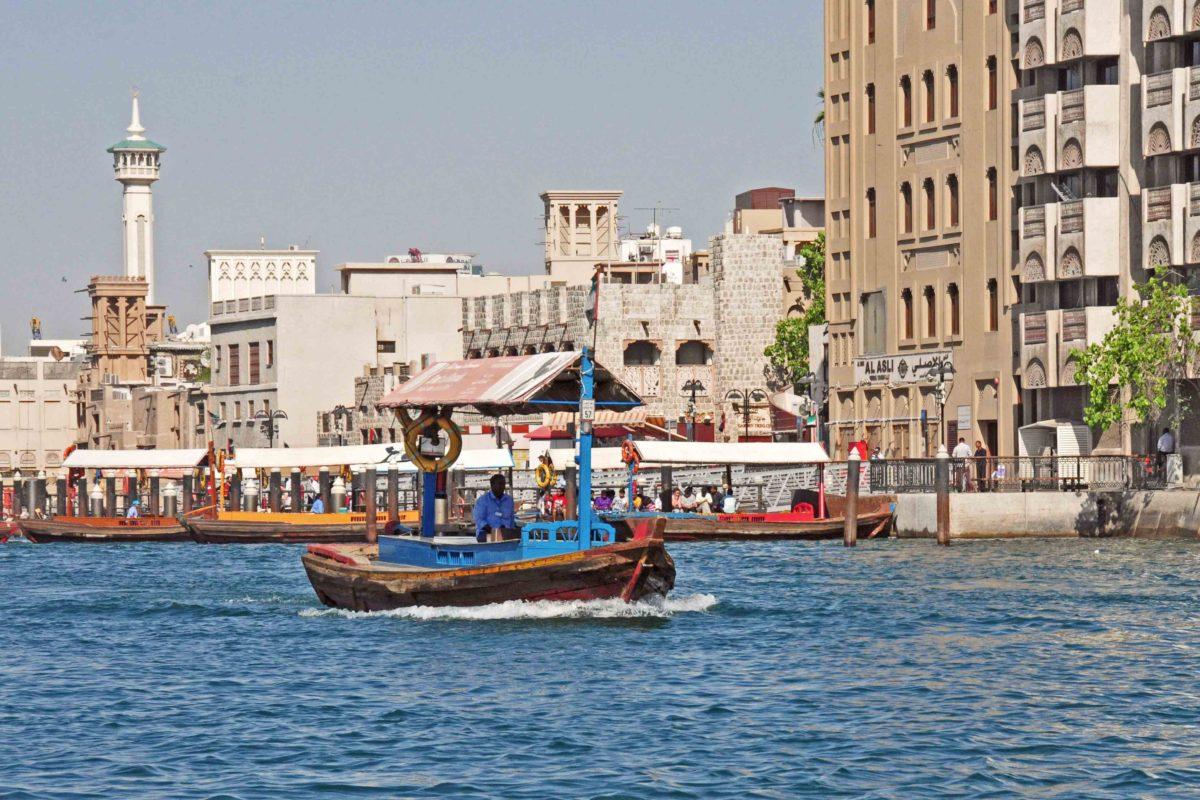 Dubai_Kind_Boote_DSC_3647