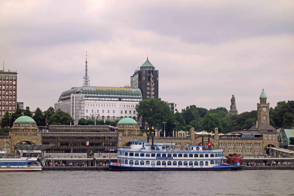 Blick von Steinwerder nach St. Pauli