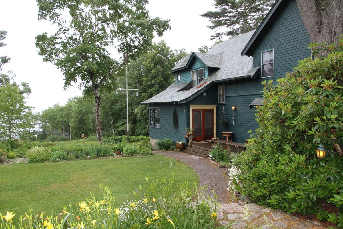 Maine, Southwest Harbor, Bed & Breakfast