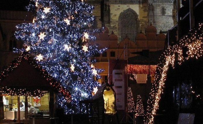 Weihnachtsmarkt-Lichter